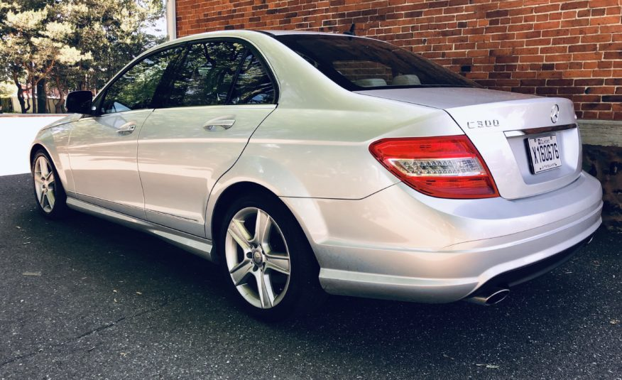 2010 Mercedes c-300 4-matic AWD***58500kms***