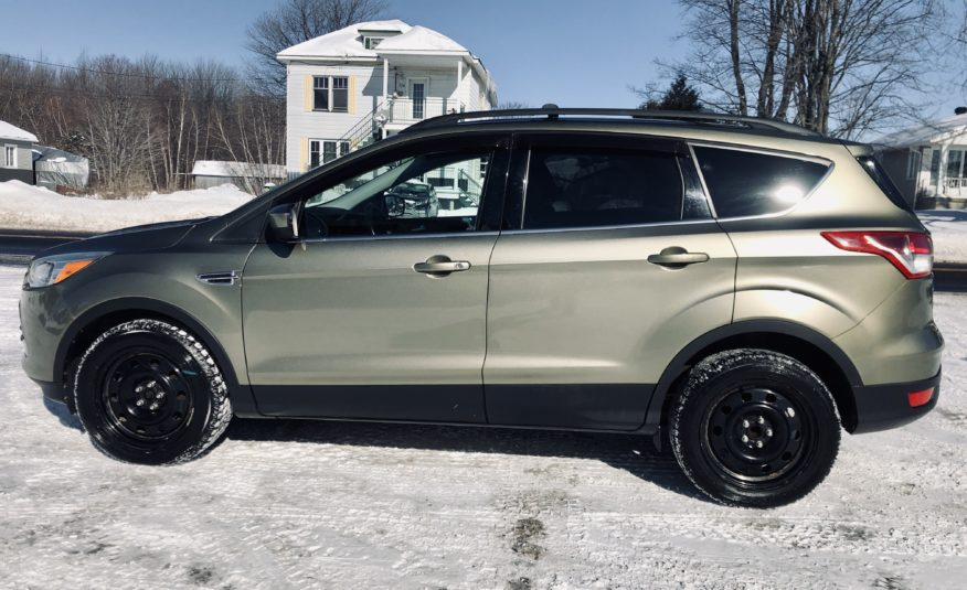 2013 Ford Escape SE ***89000kms+Cuir***